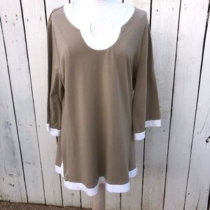 Lovely 2x tan and white plus size top